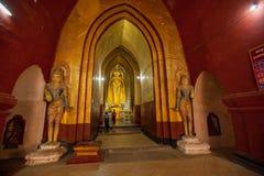 古庙的内部在Bagan,缅甸 库存照片