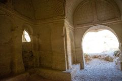 古庙的内部 在砂岩山做的古庙 格雷梅,卡帕多细亚,安纳托利亚,土耳其 免版税图库摄影