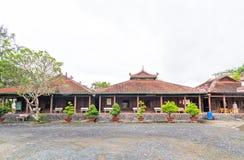 古庙的建筑秀丽在乡下 免版税库存图片
