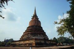 古庙美好的风景在sukhothai-historypark, Sukhothai,泰国的 免版税库存照片