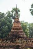 古庙美好的风景在sukhothai-historypark, Sukhothai,泰国的 免版税库存图片