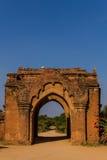 古庙门,在缅甸(Burmar)的Bagan 免版税图库摄影