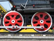 古板的减速火箭的火车轮子  库存照片