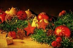 古板的圣诞节装饰 免版税库存照片