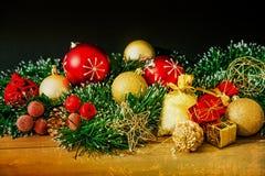 古板的圣诞节装饰 免版税库存图片