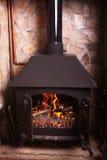 古板的灼烧的火炉 免版税库存图片