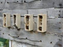 古板的电保险丝在木板条塞住在印地安街道 图库摄影