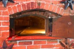 古板的砖烤箱 免版税库存图片