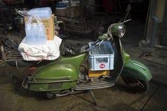 古板的滑行车泰国蔬菜批发市场 免版税库存图片