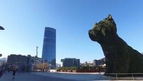 古根海姆美术馆的外在看法在毕尔巴鄂 01/25/2017 西班牙 股票视频