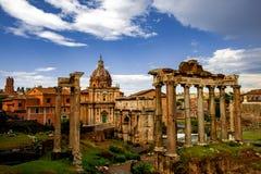 古罗马广场建筑学在罗马市中心 免版税库存图片