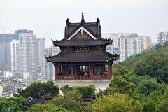 古老中国建筑学:黄色起重机寺庙 图库摄影