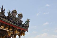 古老中国龙屋顶 免版税库存图片
