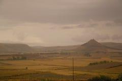 古老乡下在雨中 库存图片