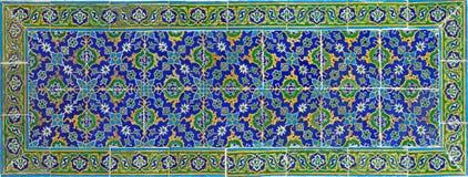古老五颜六色的瓦片有东方样式背景 图库摄影