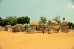 古老五mahabalipuram rathas寺庙 免版税库存图片