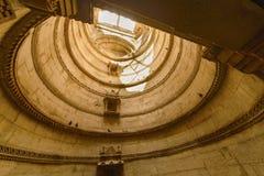古老井在艾哈迈达巴德,印度  库存照片