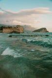 古老亚得里亚海的墙壁老镇布德瓦,地中海 图库摄影