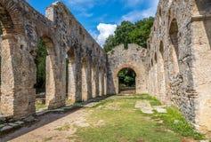 古老伟大的大教堂废墟  库存图片