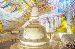 古老佛教寺庙在Dambulla 库存图片
