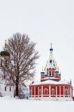 古老俄国教会在冬天阴云密布天 库存图片
