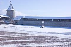 古老克里姆林宫在市普斯克夫 免版税图库摄影
