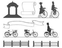 从古老到没有改变的习性的现代自行车 免版税库存图片