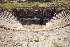 古老剧院在Pamukkale (古老Hierapolis),土耳其 免版税库存照片