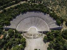 古老剧院埃皮达鲁斯或Epidavros空中寄生虫鸟` s眼睛视图照片  库存照片