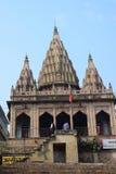 古老印度寺庙在瓦腊纳西,印度 免版税库存照片