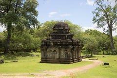 古老印度寺庙在考古学公园Polonnaruwa 斯里南卡 库存图片