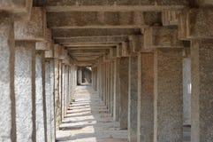 从古老印度的石路 免版税库存图片