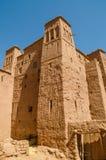 古老历史黏土镇助手争论者和其他电影被摄制的本Haddou,摩洛哥,北非 图库摄影