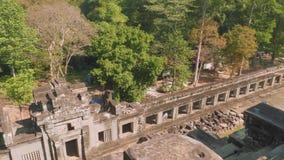 古老吴哥窟寺庙废墟顶视图  股票视频