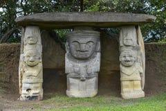 古老哥伦布发现美洲大陆以前雕象在San Agustin,哥伦比亚 图库摄影