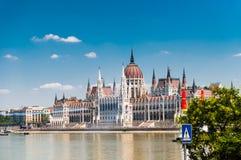古老哥特式匈牙利议会大厦 免版税库存图片