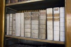 古老图书馆原稿布拉格strahov 免版税库存照片