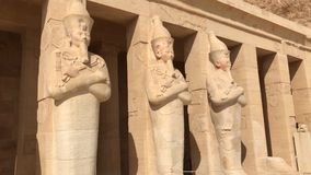 古老埃及巨石的大厦和专栏 埃及大厦古老废墟  免版税库存图片