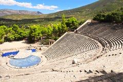 古老埃皮达鲁斯剧院,伯罗奔尼撒,希腊 免版税库存照片