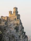 古老城堡。 圣马力诺。 免版税库存照片