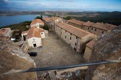 古老城堡意大利populonia托斯卡纳 库存照片