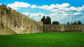 古老城市墙壁 免版税库存图片