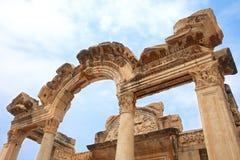 古老城市ephesus hadrian寺庙 免版税图库摄影