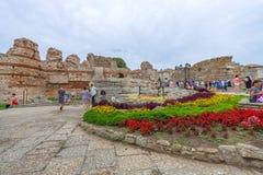 古老堡垒墙壁的废墟在内塞伯尔老镇的  免版税库存照片