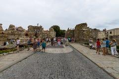 古老堡垒墙壁的废墟在内塞伯尔老镇的  库存图片