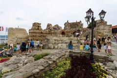 古老堡垒墙壁的废墟在内塞伯尔老镇的  库存照片