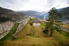 古老堡垒的防护墙壁 库存照片