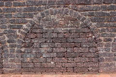 古老堡垒砖墙纹理背景 免版税图库摄影