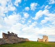 古老堡垒破坏春天 库存图片