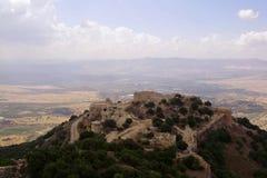 古老堡垒,上部内盖夫加利利,以色列废墟  概念:旅行、历史和自然,葡萄酒 免版税图库摄影